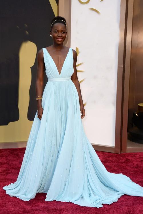 Klänning inspirerad av Lupita Nyong