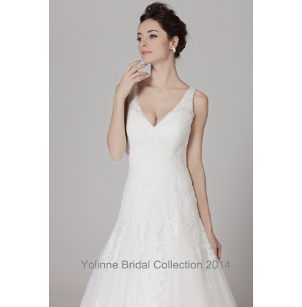 Estelle Brudklänning by Yolinne
