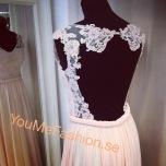 Spets balklänning med öppen rygg